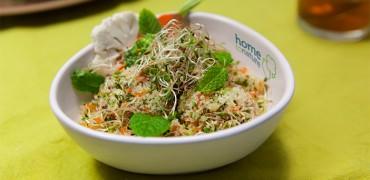 Couscous aux graines germées et aux petits légumes