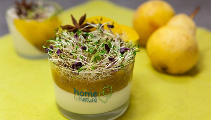 Panna Cotta parfumée à la badiane, marmelade de pêche et graines germées.